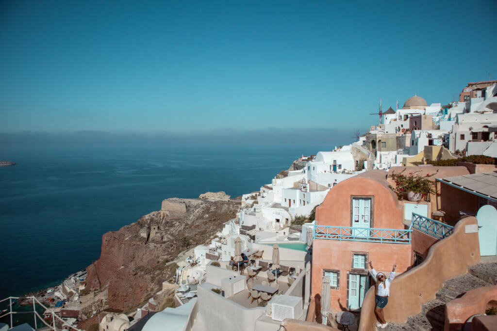Santorini Top Amazing Experiences you shouldn't miss | Oia Streets