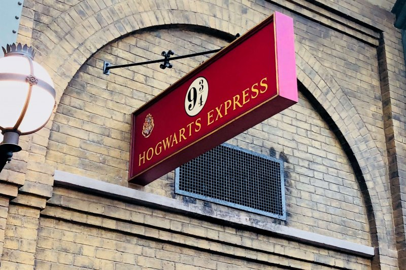 Hogwarts Express Kings Cross Station at Universal Studios