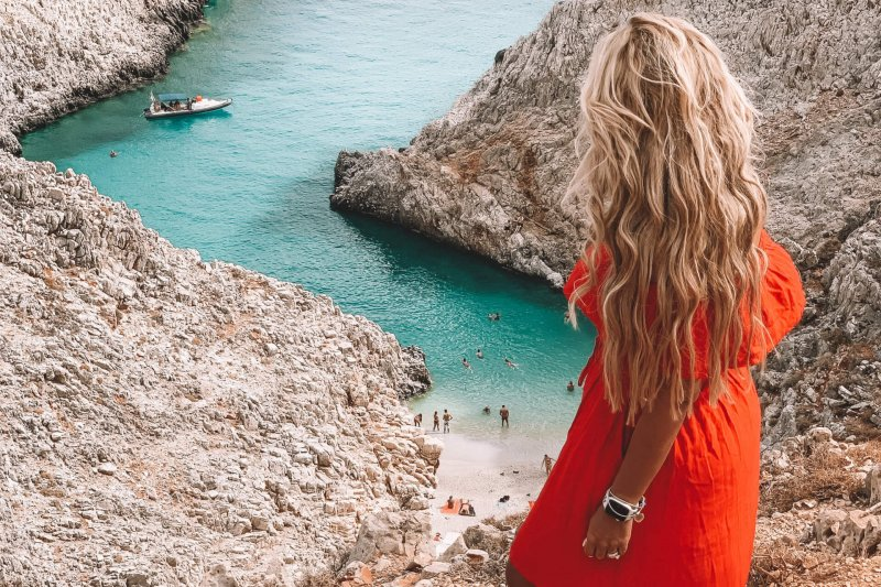 Fashionably Lena | Crete Beach